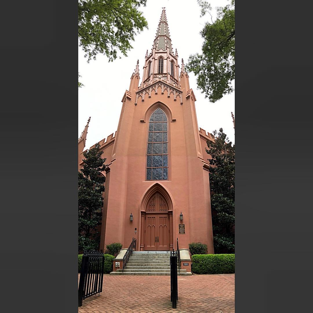 Established 1795 and erected in 1853. This church was partly destroyed by a tornado in 1853, by fire in 1910 and 1982