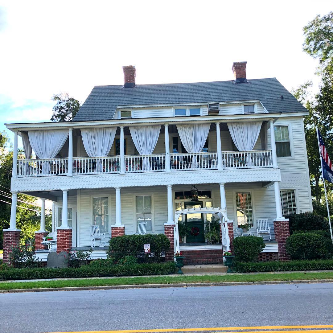 The Barber House in Fairfax, SC was built in 1900. It is a 6 bed, 4.5 bath, 4,481 sq ft home on Hampton Ave. I believe this was the home of Thomas Porter Barber Sr., a former mayor Fairfax