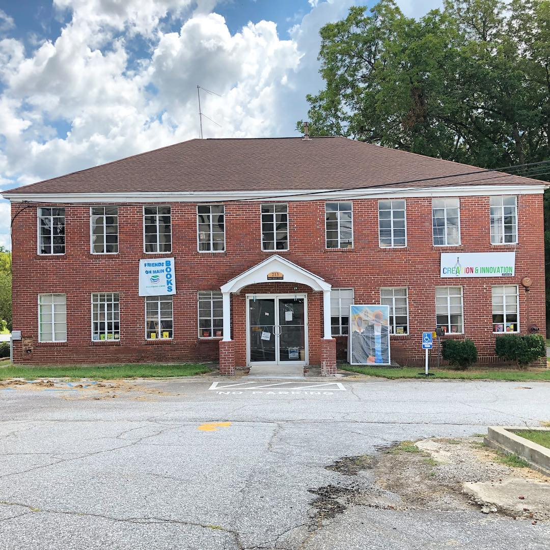 The Union Community Hospital was started by Dr. Lawrence W. Long, an African-American doctor, and served African-American patients during segregation. The hospital provided services to the African-American community of Union County for 43 years (from 1932 to 1975). Built as a house ca. 1915, it was converted into a hospital by Dr. L. W. Long in 1932 with the support of several local churches