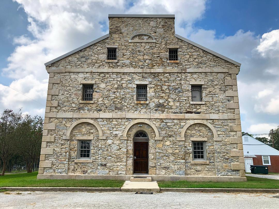 Renowned architect Robert Mills designed this jail in Lancaster, built in 1823. Sadly, the jail did burn on December 29, 1979, when an inmate set the building on fire. The event killed 11 prisoners. The building was no longer used following the tragedy, though it remains an historical reminder of the innovative thinking of Robert Mills