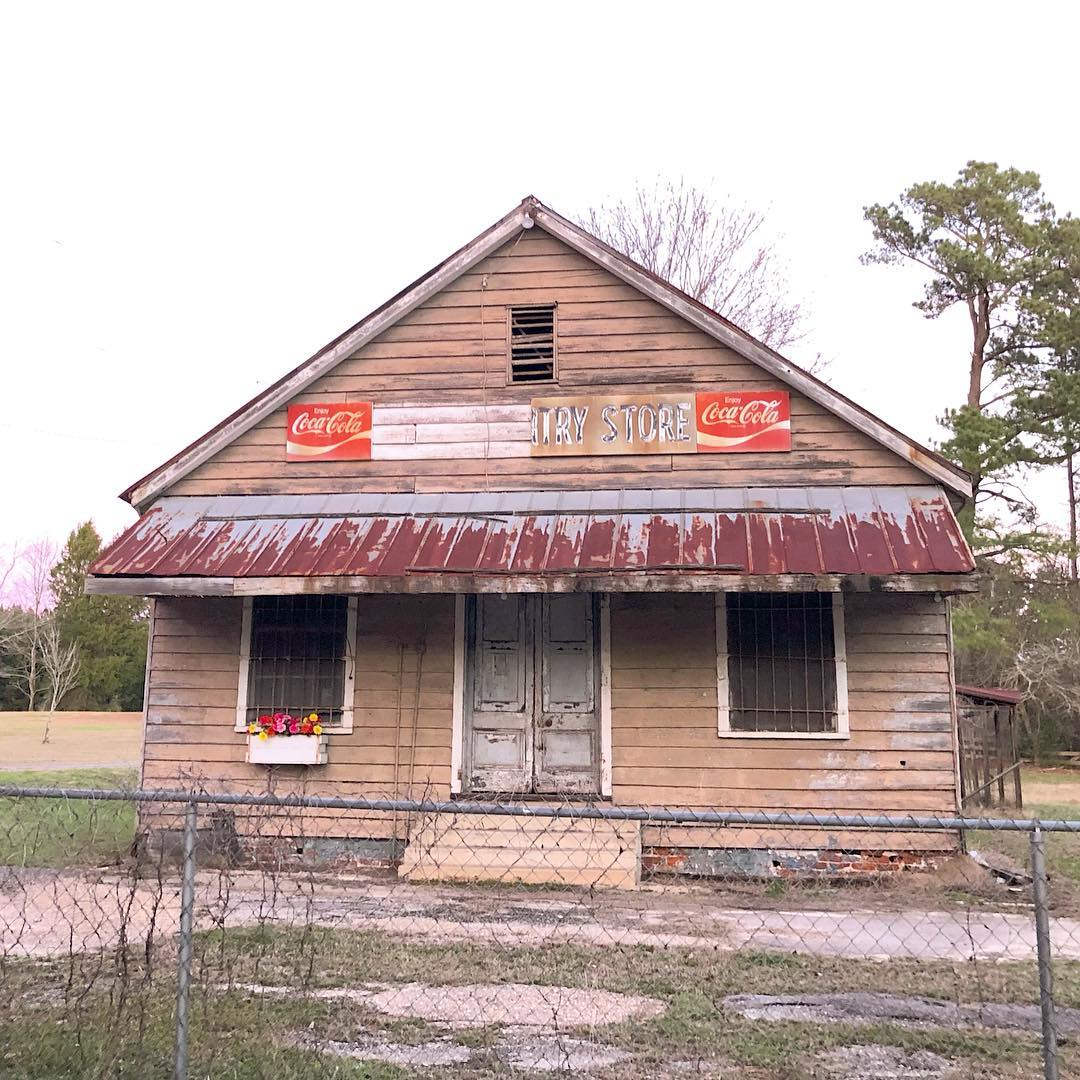The Wateree Country Store was built in 1940. Signage claims the business started in 1856. It may have closed around 2006.  #wateree #eastoversc #southcarolina #travelsc #discoversc #exploresc #discoversouthcarolina #exploresouthcarolina #insta_carolina #abandonedsc