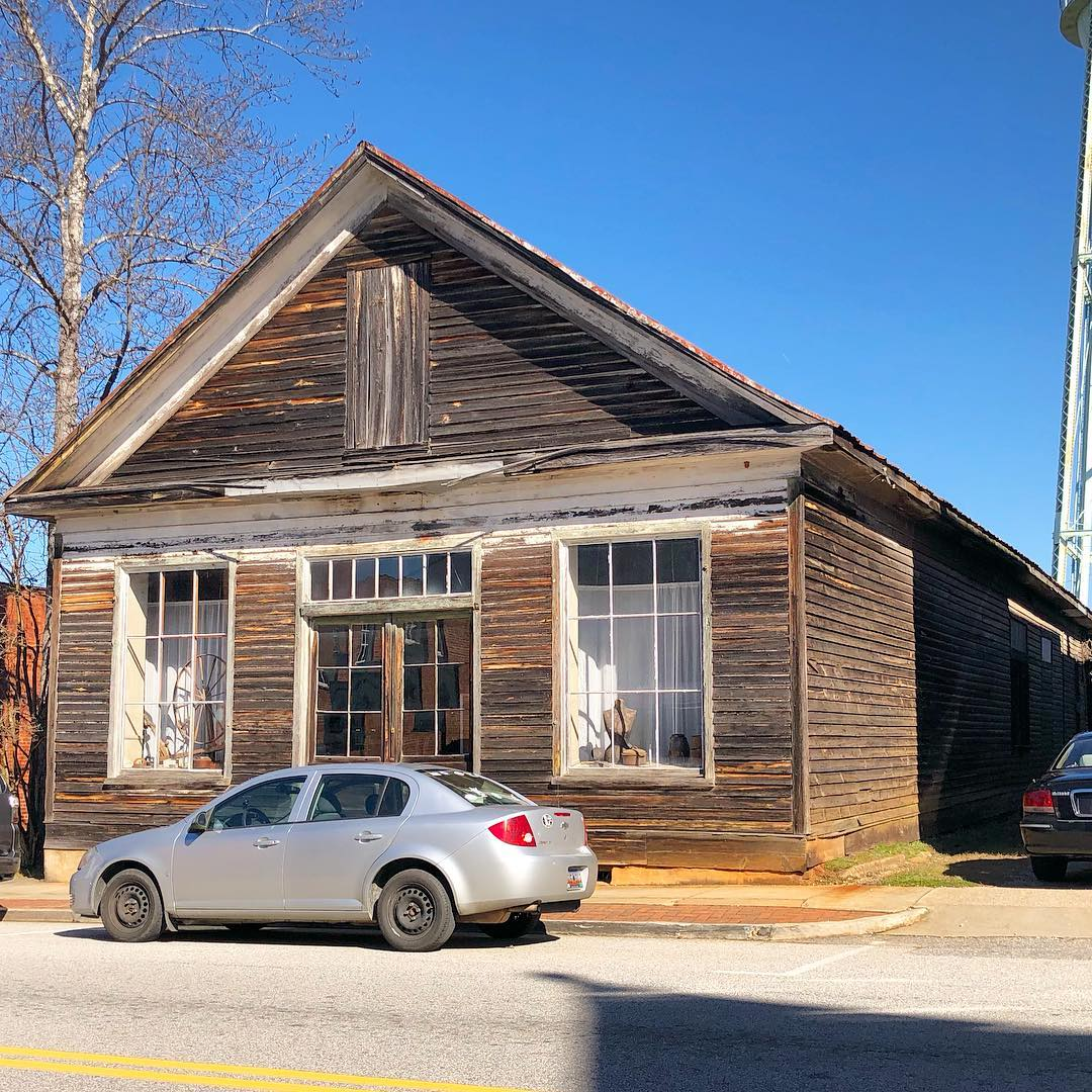 Built in 1840, Ruff's Hardware original store is now a museum. The an old-fashioned mercantile and hardware store is still operating next door