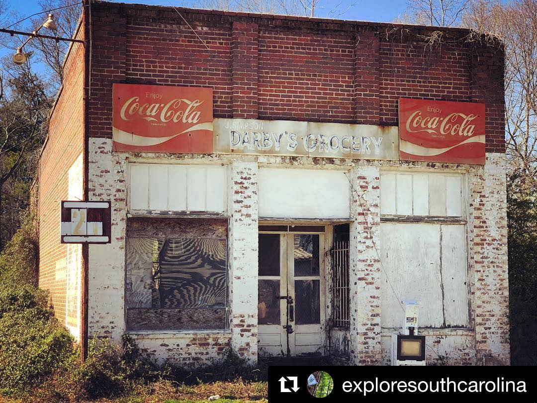 #TBT Jimmy Simpson Darby's Grocery in Lowrys, SC. This was a Shell station with 2 pumps formerly located right in front of the window.  #abandoned #oldservicestation #us321 #lowrys #lowryssc #chestersc #cokesign #southcarolina #insta_carolina #exploresc #travelsc #onlyinsc #onlyinsouthcarolina #discoversc #exploresouthcarolina #discoversouthcarolina #scbackroads #visitsc