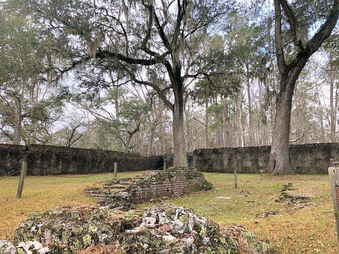 Fort Dorchester is a tabby fort constructed in July 1775. During the American Revolution, Dorchester was a strategic point. The magazine was fortified and the garrison commanded by Capt. Francis Marion. British troops occupied the town in April 1780. They were driven out by cavalry and infantry under Col. Wade Hampton and Gen. Nathanael Greene on December 1, 1781