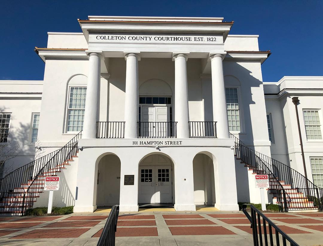 The Colleton County Courthouse was built in 1820 in the Greek Revival style. The first meeting on nullification was held in the building in 1828