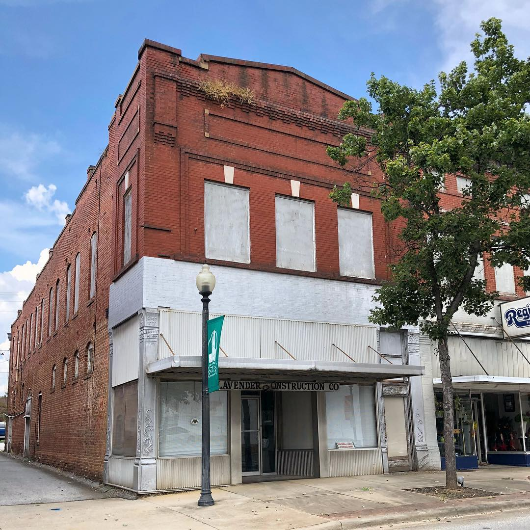 This brick commercial building was built in 1918. It is located on Limestone Street and is part of the Gaffney Commercial Historic District