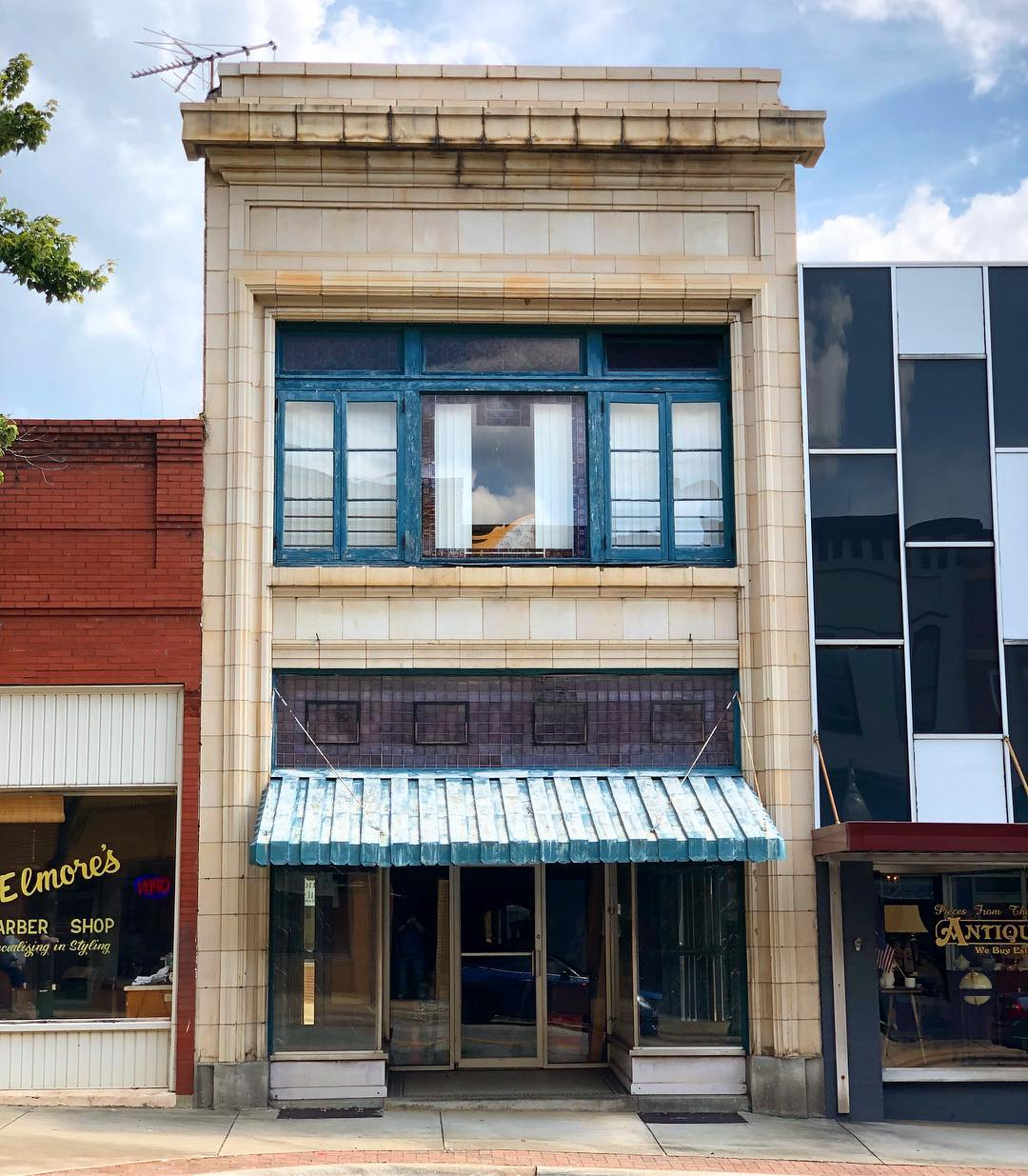 This brick commercial building was built in 1908. It is located on Limestone Street and is part of the Gaffney Commercial Historic District