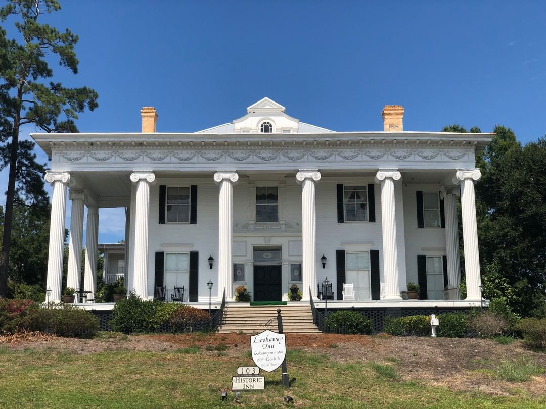 Lookaway Hall was built from 1895-1898 for Walter M. Jackson. Jackson formed the North Augusta Land Company in 1890 that built North Augusta 