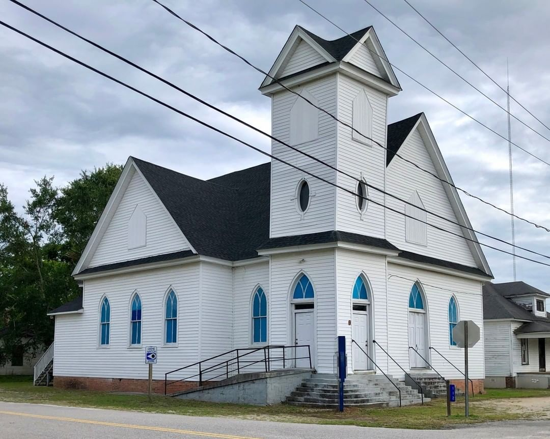 The Unity Baptist Church was built in 1910. The congregation occupied this sanctuary, built by Deacon George L. Shropshire, a local carpenter and contractor