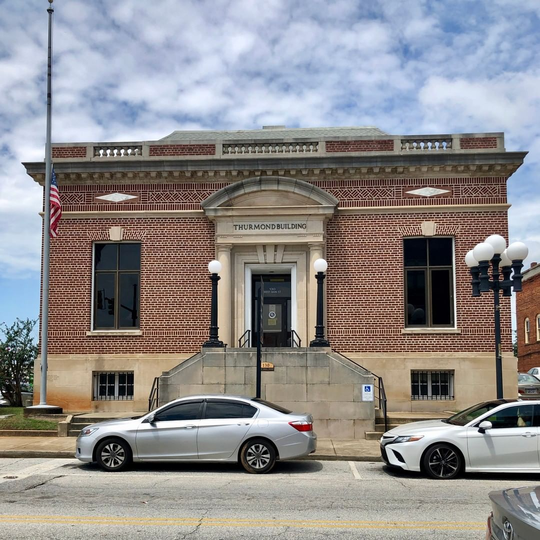 Built as a Post Office in 1912 and used until a new post office was built in 1965. Since then, it is now used as a Federal office building