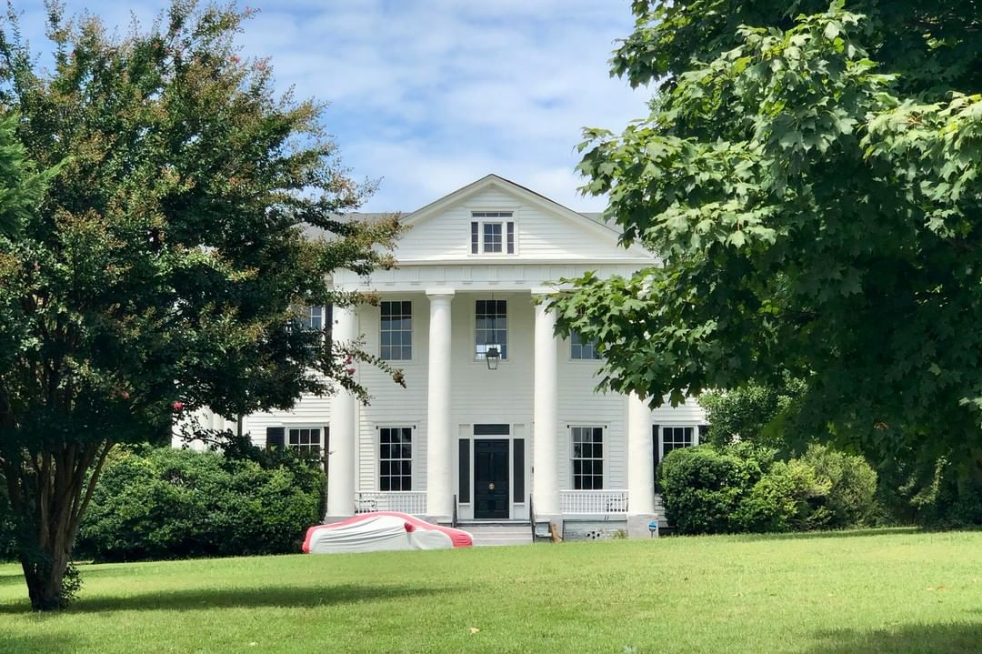 The Meng House is a Greek Revival style home in Union built in 1832 by Zachariah Herndon. Four generations of the Meng family have since occupied this house