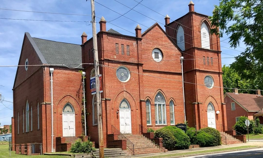 St. Michael's Methodist Church in Bennettsville was built in 1922. The congregation was organized in 1868