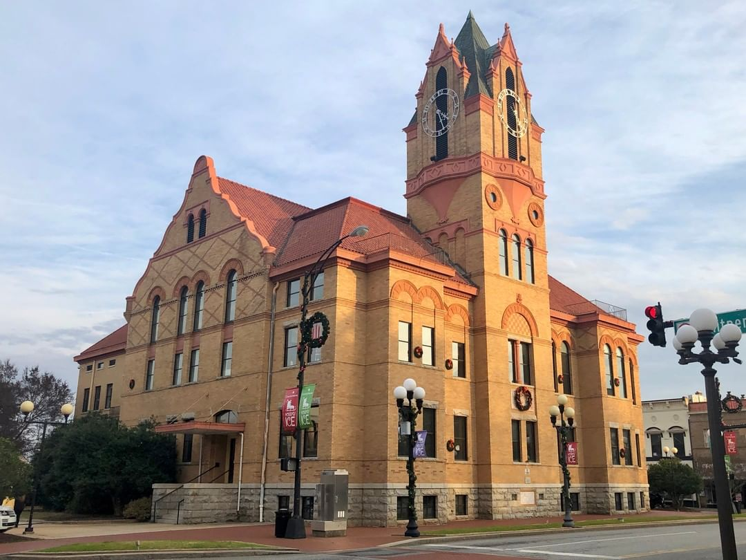 The Anderson County Courthouse was built in 1898. This is the third courthouse for the county and it was remodeled in 1939