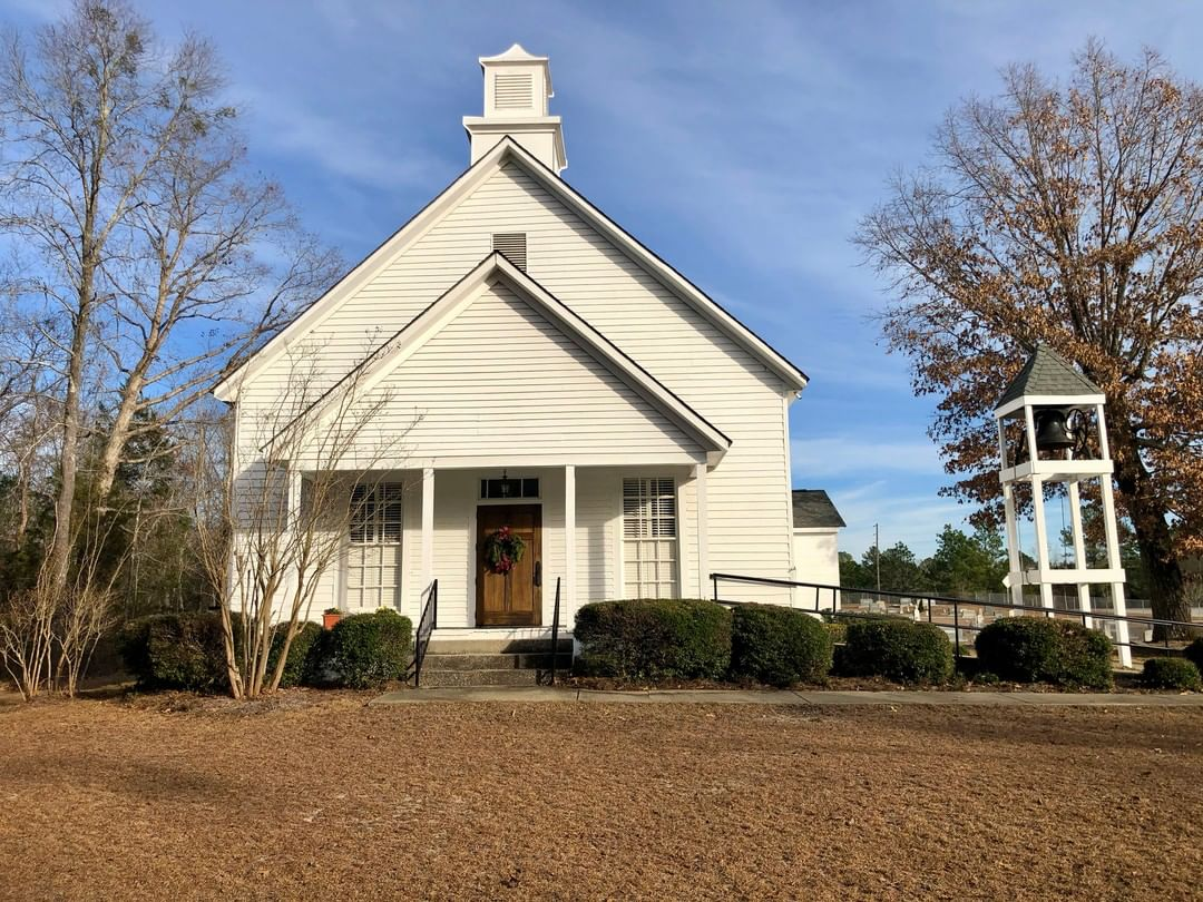 The Beaver Creek Presbyterian Church was founded in 1771 in rural Kershaw. The congregation was relocated to its current site near Robinson's Crossroads in 1856. This sanctuary was built around 1930⁠