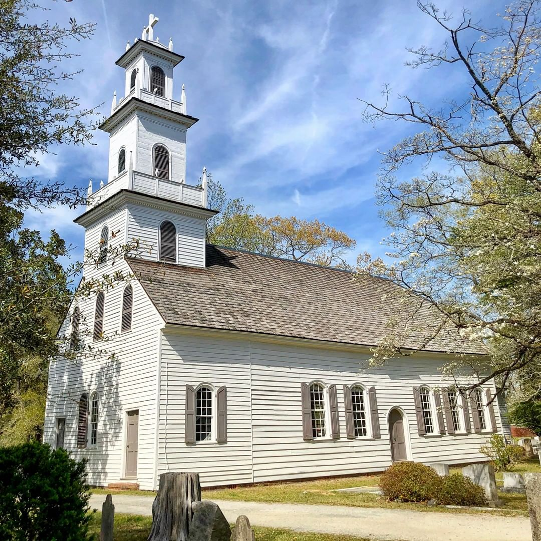 The old St. David's Episcopal Church formed in 1768. This church was constructed in 1770 and it was the last Anglican church in South Carolina built under the rule of King George III. The church was used as a hospital in both the Revolutionary and the Civil War
