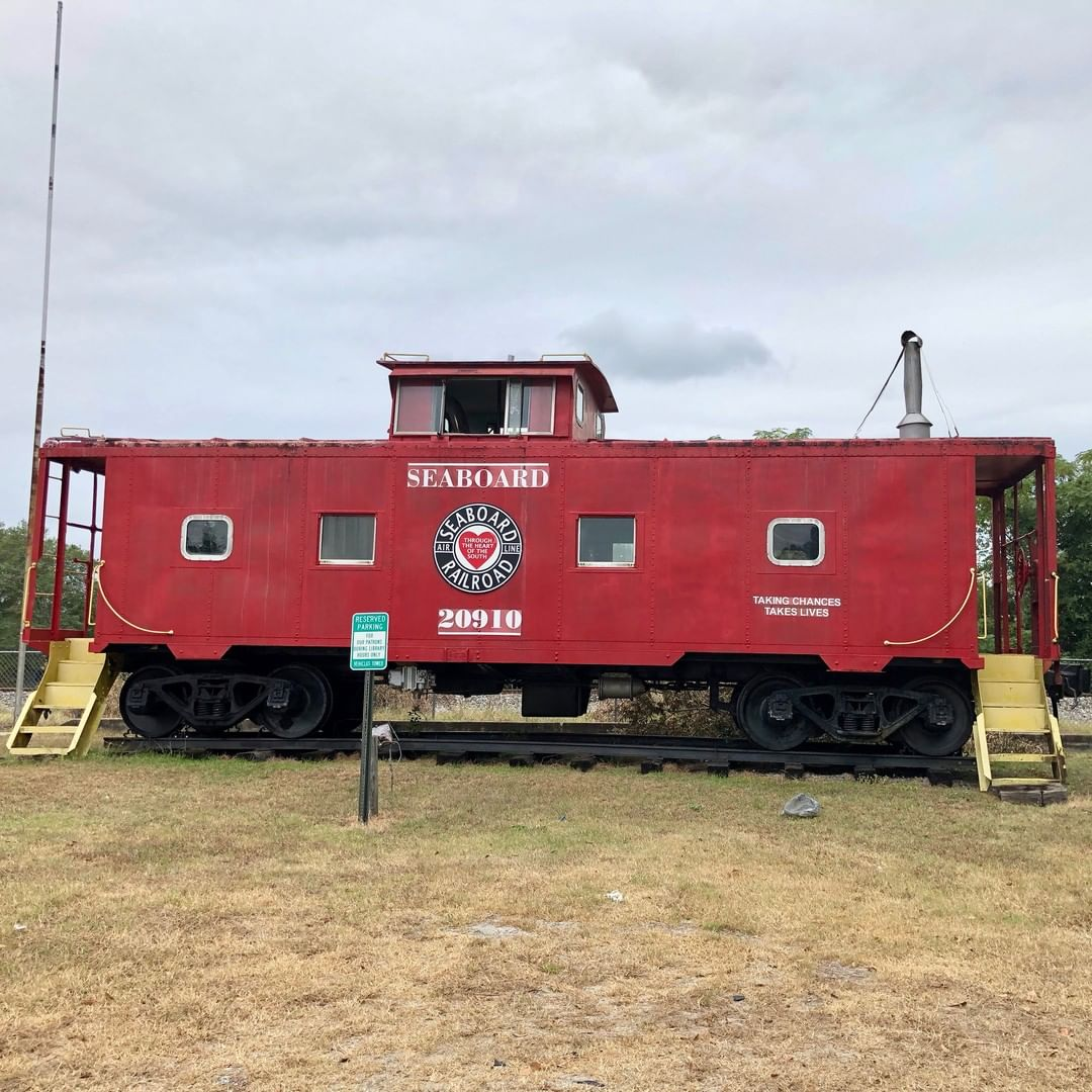 This caboose was the Seaboard Coast Lines #0919 and later Seaboard #20919. The caboose is on display at the former McBee Railroad Depot