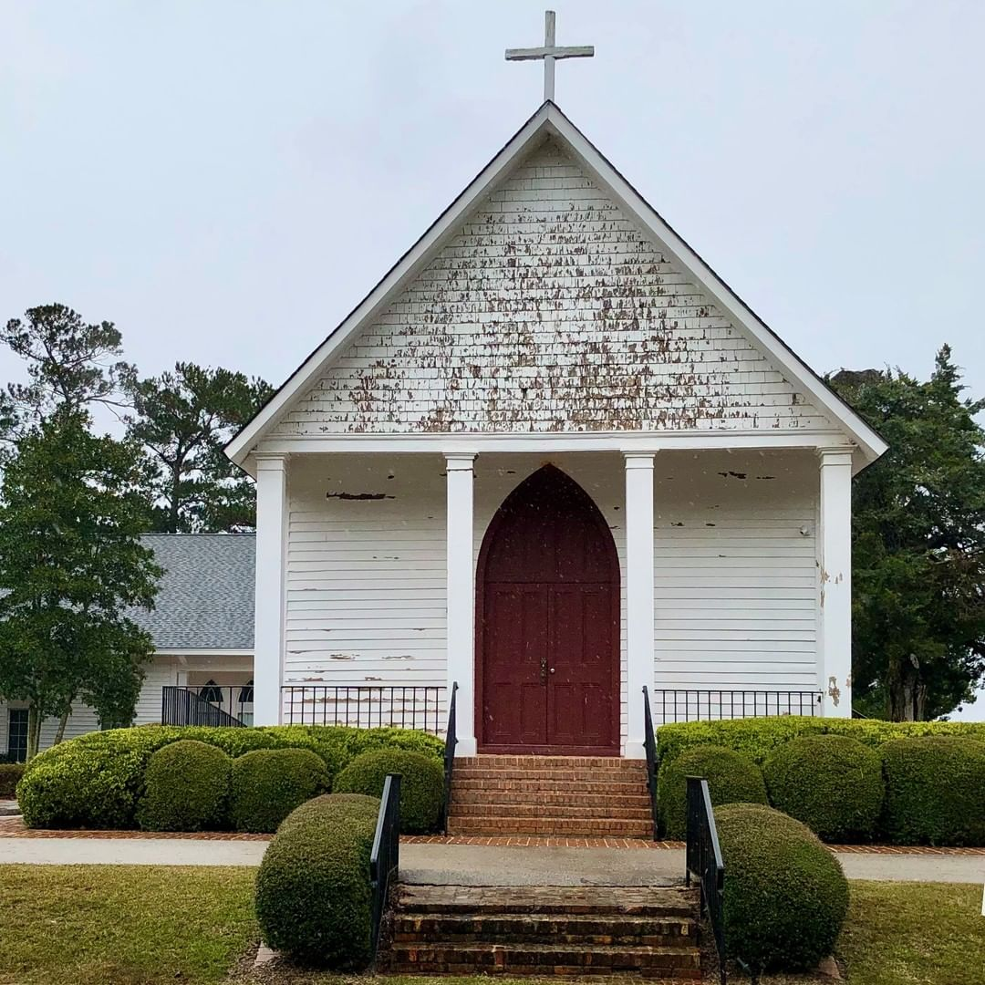 St. Matthew's Parish Episcopal Church in Fort Motte was established in 1785 and this building was built in 1852. This church is also known as the Red Church