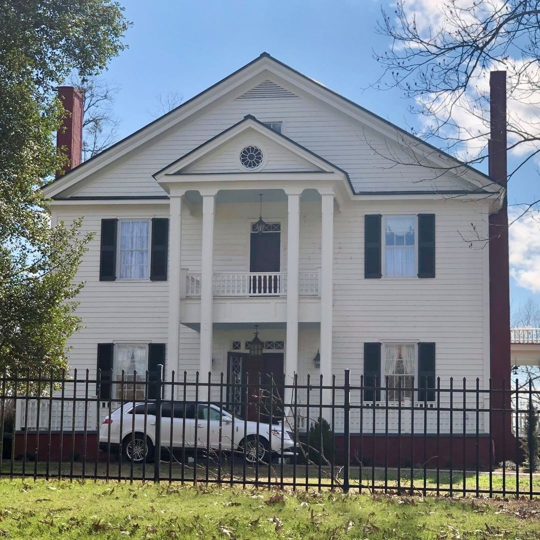The Nuckolls-Jefferies House, also known as the Wagstop Plantation, was built in 1843 by William Thompson Nuckolls. William Nuckolls was a graduate of South Carolina College (now the University of South Carolina), practiced law in Spartanburg, and served three terms as a United States Congressman from 1827-1833. Nuckolls, a Jacksonian Democrat, became a close friend of John C. Calhoun, who visited him several times here