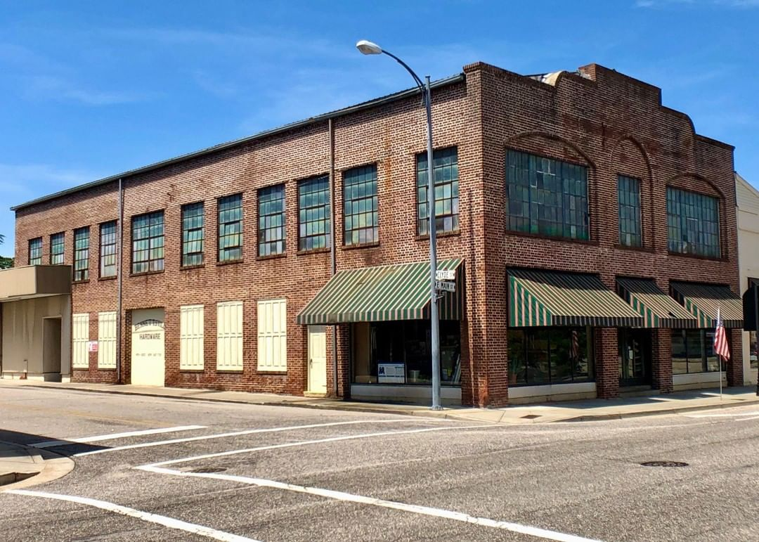 The Bennettsville Hardware building was built ca. 1915. During the 1920s, the building was used for automobile sales