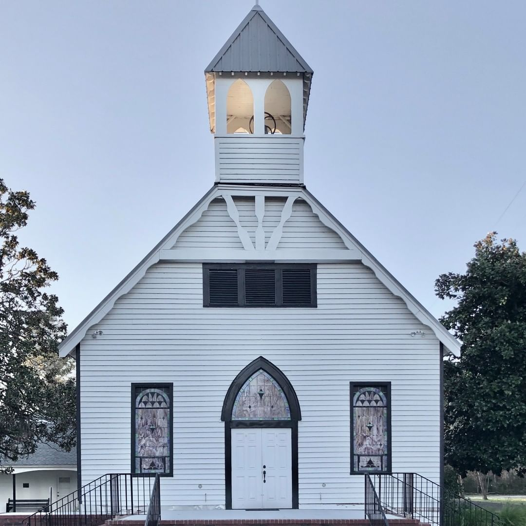 The Pinopolis Methodist Church was built in 1900. The first mention of this congregation was in 1887, it was likely established around that time. The church was built with long leaf pine at a cost of about $600-700