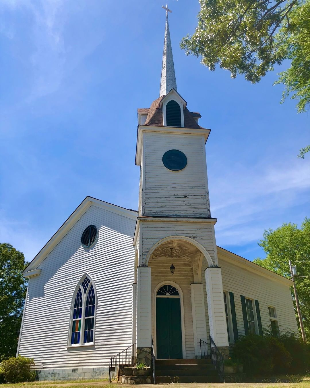 The Providence Presbyterian Church was organized and built in 1842 as the results of the merger of the Providence and New Harmony Presbyterian church that were both in the Lowndesville area. The church was remodeled in 1886 adding the campanile and removing the slave gallery